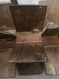 民俗老物件,稻田所用平地的木耙,可坐人,调整地里的情况需要搭配重量,凳子可以自由拆下和安装,可见古人智慧无限,水楠木精做,品相一流,民俗风情器具佳品!
