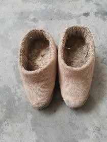 民国时期,草编小脚鞋,长21公分