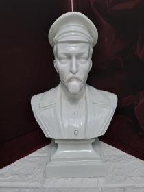 苏联革命家捷尔任斯基(克格勃前身契卡创始人)白瓷雕像