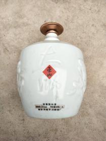 1.9升空酒瓶(瓶盖是合金材质)