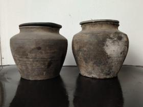 以前的黑色小陶罐,可用于装药材,也可用于复古摆件。品相完整,尺寸如图。130元一个