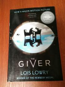 The Giver Movie Tie-In Edition 记忆传授者 电影版 英文原版