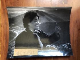 """【老照片】世界第一个登上珠峰的女性""""女英雄潘多"""" 蒋伟良获奖摄影作品"""