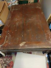 我家的。炕头桌子。优惠出售了。。非常老了。喜欢的来取。不发货