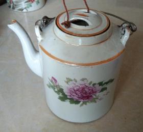 精美花卉饰图大号瓷茶壶