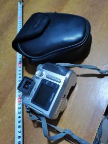 数码相机:富士早期原袋,开不了机按配件卖,如图