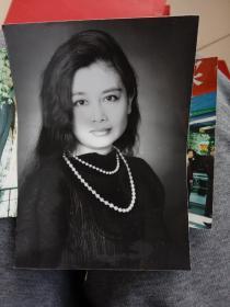 美女黑白照片一张加彩照9张