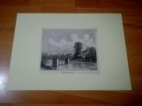 19世纪木刻版画《德国古城茨维考:穆尔德河上的铁路桥,德国萨克森州》(Environs de Zwickau)-- 茨维考位于厄尔士山脚下的山谷中,地处莱比锡以南靠近捷克的边境地带,是著名作曲家罗伯特舒曼的故乡;茨维考拥有900多年历史,于15世纪开始发展,16世纪发展成为萨克森州重要的经济和文化中心 -- 后附卡纸30*21厘米,版画15*12.5厘米