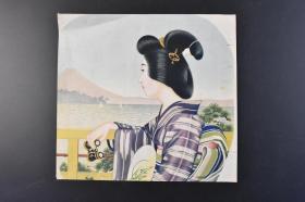 """(K3987)孔网唯一《日本扇面》单面彩色1张 图案为一名身穿日本传统服饰和服,手持望远镜的日本女性在远望风景 湖中有帆船 远处有富士山 背面有""""ア印五号""""等文字 尺寸:24*22.5CM"""