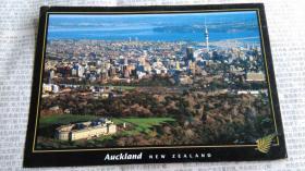 早期非常漂亮的城市景观明信片,贴外国邮票一枚,写有一篇信札式短文,十分耐读。