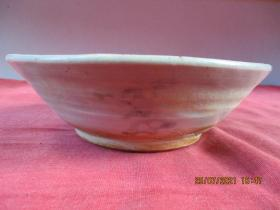 清朝瓷器,瓷碗一件,圓形,直徑14.5cm,高4.5cm,品好如圖。