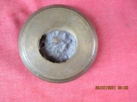 清朝銅器,一件,圓形,直徑7.2cm,厚1.5cm,品好如圖。