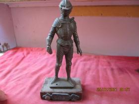 清朝銅器,一件,長9cm6cm,高21cm,品好如圖。