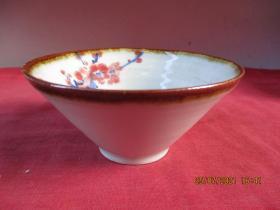 清朝瓷器,瓷碗一件,圓形,直徑12cm,高6cm,品好如圖。