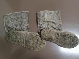 蝇头小楷书写,清代科举考试作弊之物,老粗布袜子夹带,完整一双,袜子满书写。