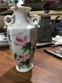 民国时期的粉彩花卉小赏瓶、包老保真