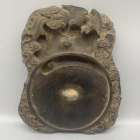老石雕带字龙凤呈祥文房砚台 尺寸:26.5*22*3.5cm 重量:3421g