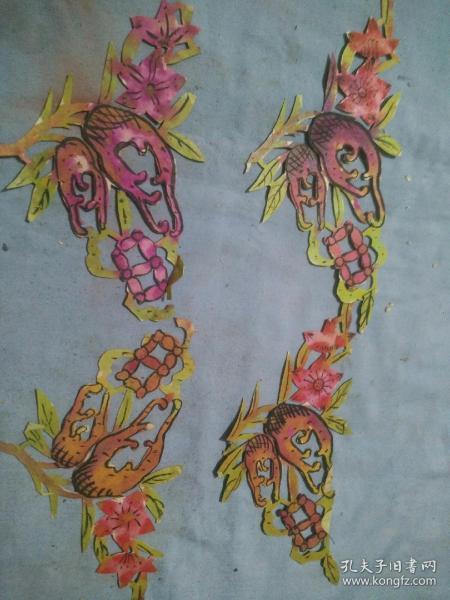 晚清五彩手绘剪纸窗花一套4片。