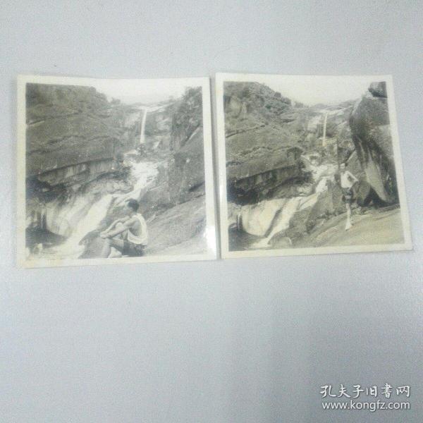 六十年代泰山长寿桥留影照片二张