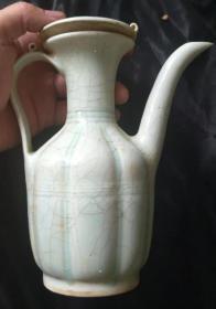 宋湖田窑陶瓷酒壶