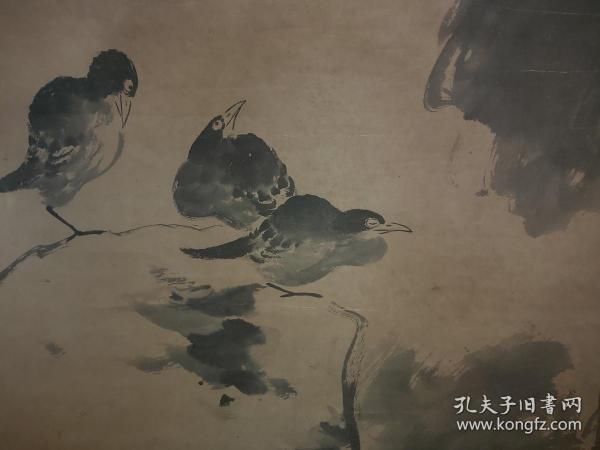 少见畫工精细的一幅老画,盖有7枚收藏印章,画心尺寸136×66厘米,朱耷(1626年---约1705年)字刃庵,号八大山人,雪个,个山,人屋,道朗等,江西南昌人,明末清初画家,中国画一代宗师。品相如图后装裱