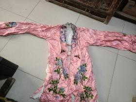 老绣花衣服