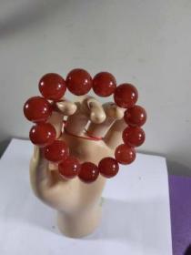 红玛瑙手串,珠子直径14.2毫米.