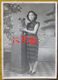 【民国老照片】民国旗袍美女,烫发——爱狗狗,照相馆布景