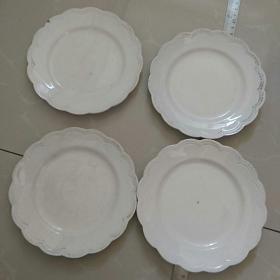 早期〈民国? 〉欧洲顶级贵族品牌,法国《教皇新堡》专用瓷盘。四个。品好如图〉。〈直径15.2㎝〉