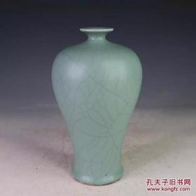 大清雍正天青釉梅瓶