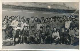 "7·Z·H·1·文革时期~改革开放初·经典·黑白老照片·""???集体合影""·138*86mm·1张"