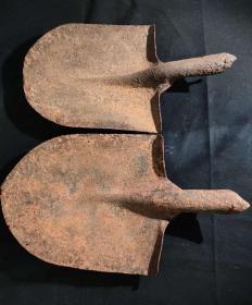 二战遗留日本铁锹2个  古玩古董红色博物馆真品收藏  同类货博物馆有摆放