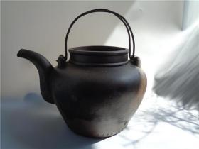 打有锯子的五十年代汤渡陶业生产合作社制作的大寿星紫砂壶