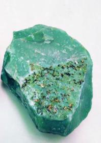 玉石原石,绿玉石原石,包浆醇厚,带玉皮的绿玉原石,大块头27.5斤,质地温润细腻,极为罕见可遇不可求值得永久收藏