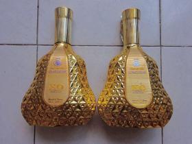 皇家朗迪斯xo白兰地酒瓶(2个合售)【名贵酒瓶仅供收藏和家庭星级摆设】