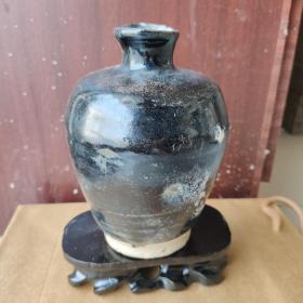 老磁州窑黑秞瓶,完美无修,秞色闪着兰色光芒