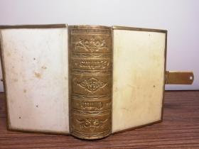 1869 THE BOOK OF COMMON PRAYER   摩洛哥皮脊  三面刷金  带锁扣  10X7.5CM