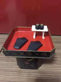 日本金莳绘供台 塑料胎 直径10.3厘米 高度8厘米 有瑕疵划痕