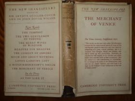 【26年威尼斯商人毛边本】珍贵毛边本精装带护封 莎士比亚名著《威尼斯商人》(The Merchant of Venice)剑桥大学版毛边本 扉页带威尼斯参议院精美版画一幅 英国文艺复兴时期莎士比亚戏剧代表作 (Shakespeare)塑造了威尼斯商人安东尼奥和高利贷者夏洛克等经典形象 民国外文书精品 民国文学书籍 1926年初版本