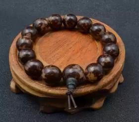天然菩提手串一条珠子直径1.8厘米