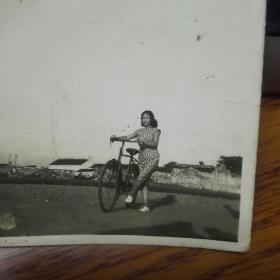 十张骑自行车老照片