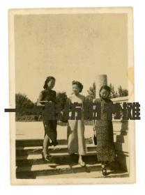 八张民国美女旗袍照片