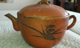 清代官窑内造桔地描金彩壶,传世完整