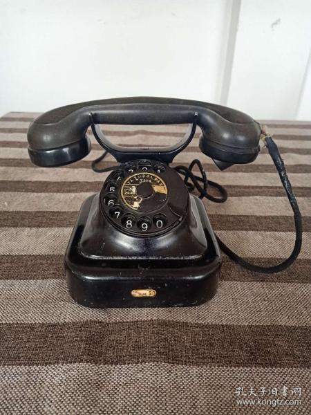 1951年荷兰早期电话公司PTT公司使用的西门子电话机(内有带西门子字样的电路图)