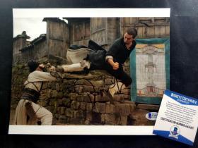 """""""香港功夫巨星"""" 甄子丹 签名影片《锦衣卫》剧照(约10×8英寸) 由三大签名鉴定公司之一Beckett(BAS)提供鉴定"""