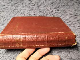 THE HOLY BIBLE CONTAINING THE OLD AND NEW TESTMENTS 后面有几页彩色地图 全软皮装帧  15X10.5CM