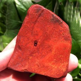 纯天然顶级极品鸡血石,朱砂冻鸡血石,鸡血足且带朱砂,极为稀有罕见,小而精美,具有极高的收藏价值,质地优良,神奇自然玉石原石,可遇不可求值得永久收藏