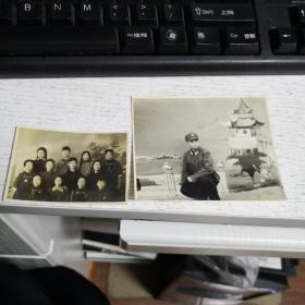 老照片:少数民族合影1956年+(翻拍解放军 )  2张合售  详情自鉴   编号 分1号册