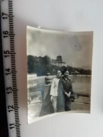 七八十年代老照片 颐和园里好姐妹