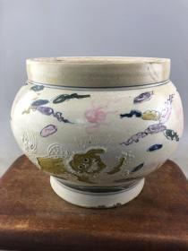 粉彩古兽大瓷罐B1747